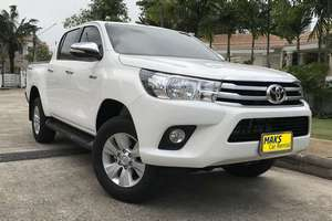 렌터카 NEW Toyota Hilux (17-18) - photo 1