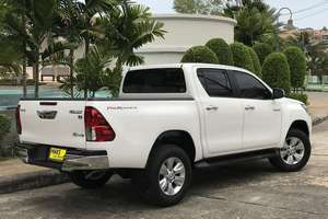 렌터카 NEW Toyota Hilux (17-18) - photo 4
